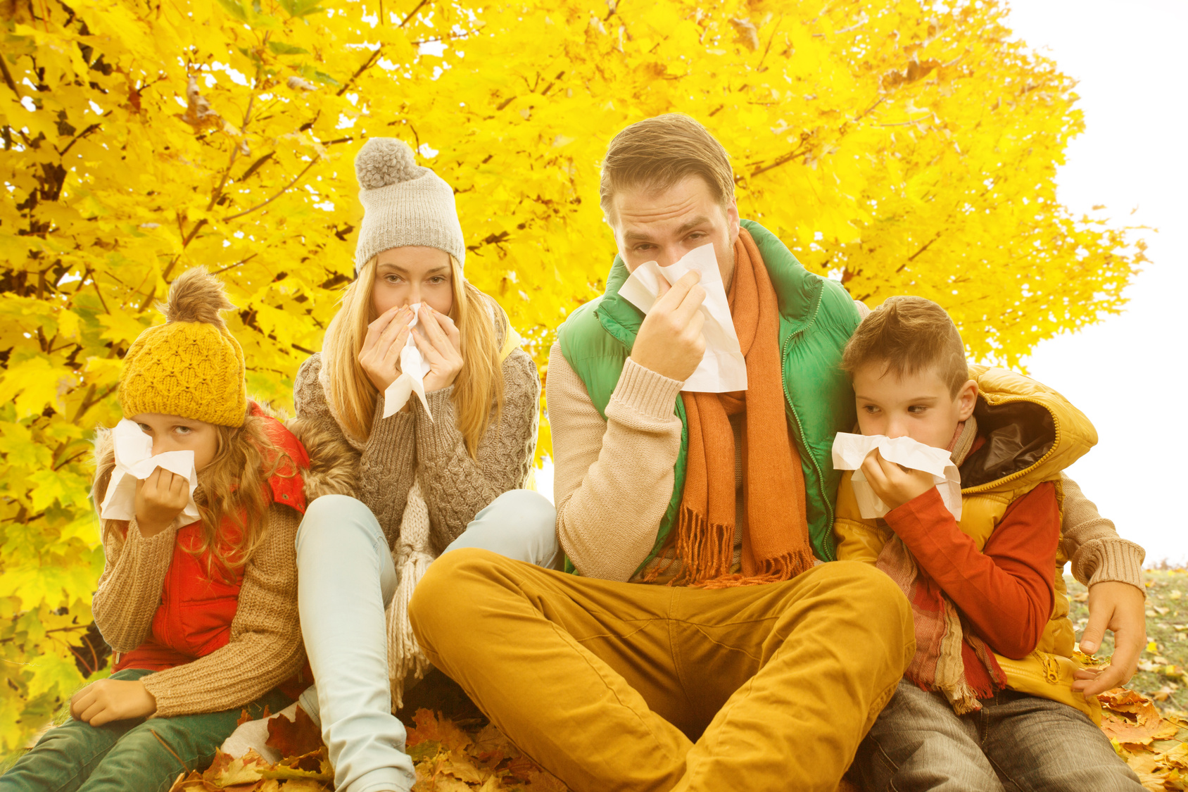 La gran capacidad de mutación del virus de la gripe hace que el tratamiento farmacológico para esta patología sea un asunto complejo, reservándose el tratamiento causal para los casos más severos y en general en el ámbito hospitalario. En la práctica, el tratamiento de la gripe en los centros de salud de Atención Primaria suele ser sintomático, existiendo limitaciones por razón de edad, embarazo o enfermedades de base que contraindican algunos medicamentos antigripales, en especial cuando estos se adquieren por el enfermo o un familiar en la farmacia sin una previa consulta médica al médico o farmacéutico, lo que puede dar lugar a utilizar fármacos que pueden interaccionar con los que ya toman o incluso empeorar las patologías ya existentes