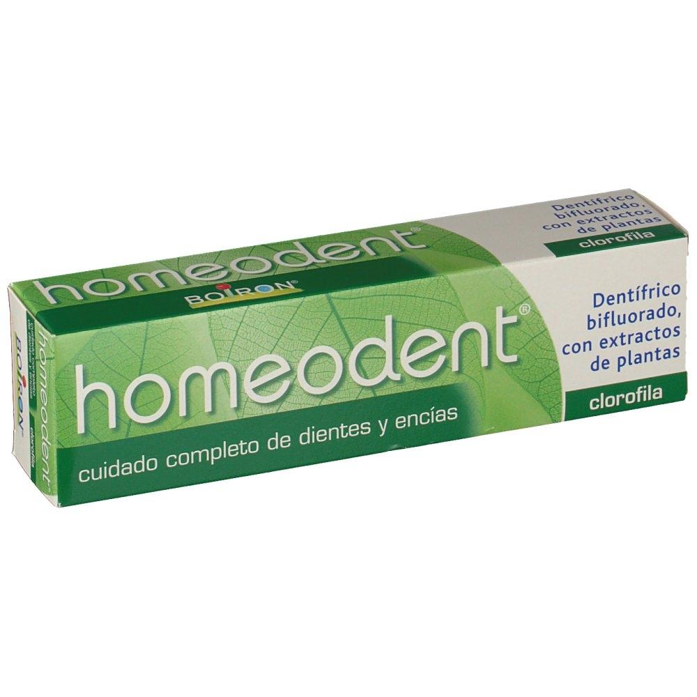 Salud bucal. La homeopatía es una buena opción para evitar las molestias provocadas por un cuidado bucal deficiente. En Gran Farmacia Online Andorra encontrarás diferentes dentífricos homeopáticos. Unos buenos hábitos de higiene bucal homeopática ayudan a prevenir todo tipo de problemas en dientes y encías y además podrás disfrutar de una boca en plena forma. Los dentífricos homeopáticos están elaborados con plantas como la caléndula, el rábano silvestre, limón, anís... Todas ellas plantas que suavizan, calman y fortalecen las encías, limpian en profundidad la boca, manteniendo una dentadura fuerte, sana y resistente. Por la boca inspiramos y espiramos, nos alimentamos y expresamos pensamientos y emociones.Mantener nuestra boca sana es, pues, un imperativo de primer orden. Sin embargo, no siempre se le dispensa la atención que merece. Remedios naturales para mejorar la salud bucal. En Gran Farmacia Online Andorra encontrarás remedios homeopáticos muy diversos para el cuidado de tu boca, dientes y encías. Labios, encías, lengua, dentadura, paladar y garganta son todos elementos que pueden sufrir desgaste o inflamaciones e infecciones más o menos recurrentes, y que a menudo se pueden solucionar con remedios naturales como la homeopatía o productos y complementos naturales que encontrarás en Gran Farmacia Online Andorra.