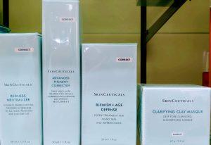 Comprar Clarifying Clay Masque Skinceuticals en Gran Farmacia Andorra Online es una mascarilla facial que contribuye a descongestionar, eliminar las impurezas y retirar el exceso de sebo, a la par que exfolia.