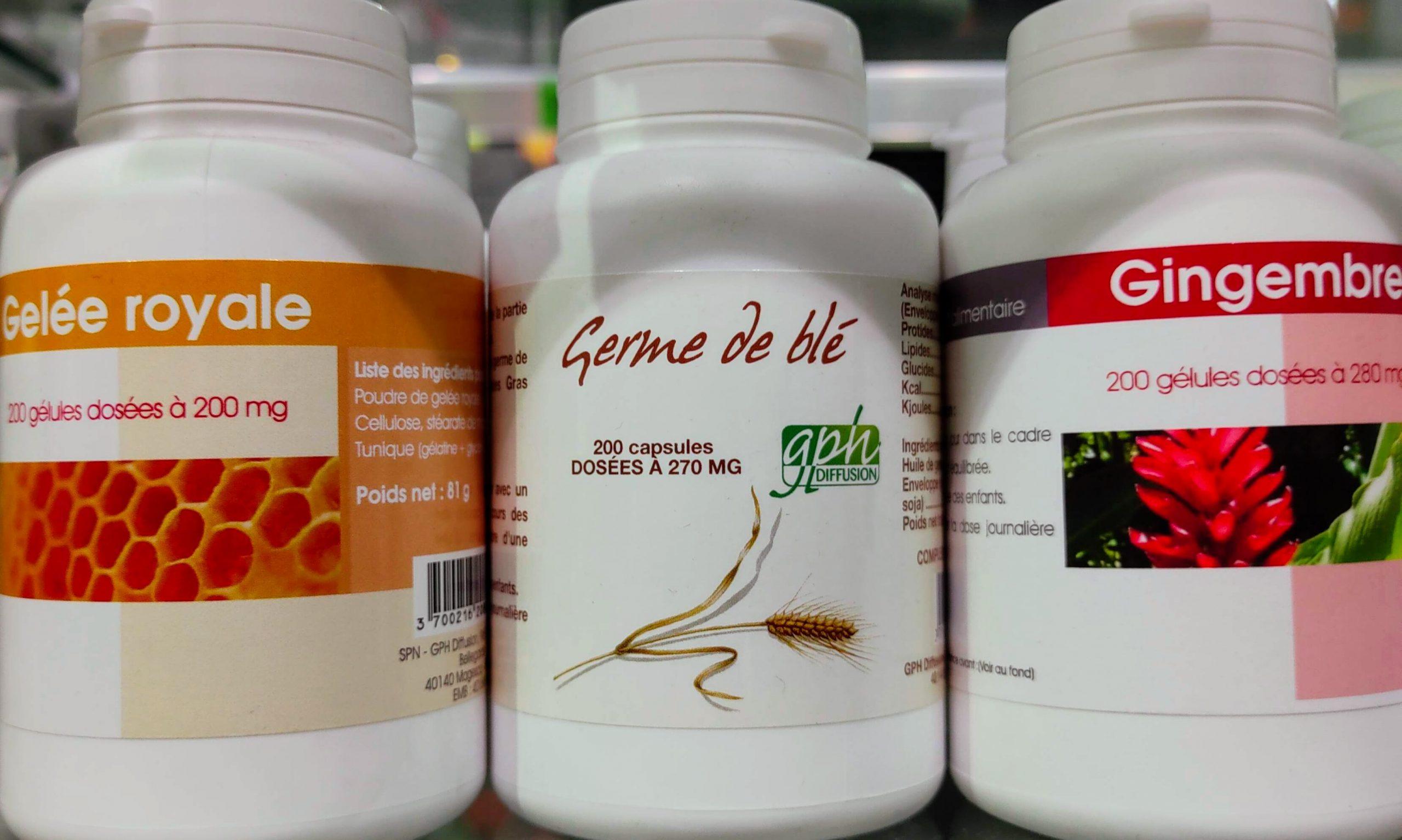 complemento alimenticio que aporta una energía extra al cuerpo con su base de jalea real. Esta jalea real se presentasin azúcary con un aporte reducido de calorías (4 calorías por ampolla). La jalea real está indicada para niños, deportistas y personas de edad avanzada que sufren estrés y sobreesfuerzo.COMPRAR JALEA REAL Cuídate tomando jalea real y empieza el día con energía rica en proteínas e hidratos de carbono ayudarás al sistema inmunitario y nervioso a reforzarse.
