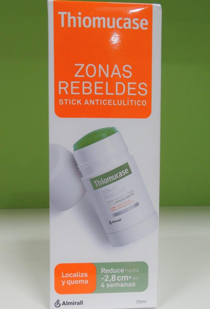 A modo de reductor de grasa para las zonas rebeldes, Thiomucase ofrece un producto en forma de Stick que trata y elimina la celulitis concentrada y localizada