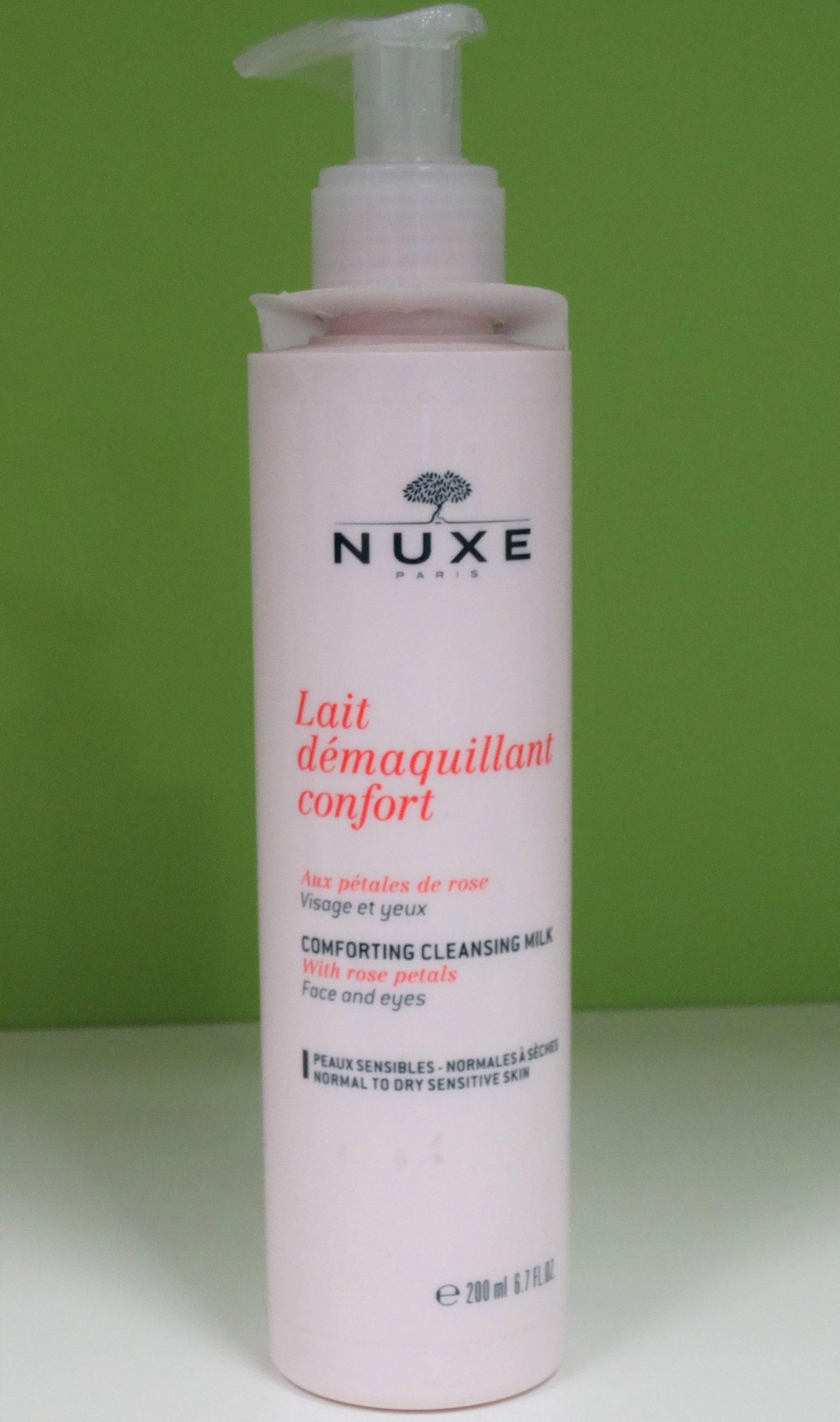Nuxe Lait desmaquillante confort es una suave loción perfecta para conseguir una limpieza suave y delicada en las pieles más sensibles y vulnerables