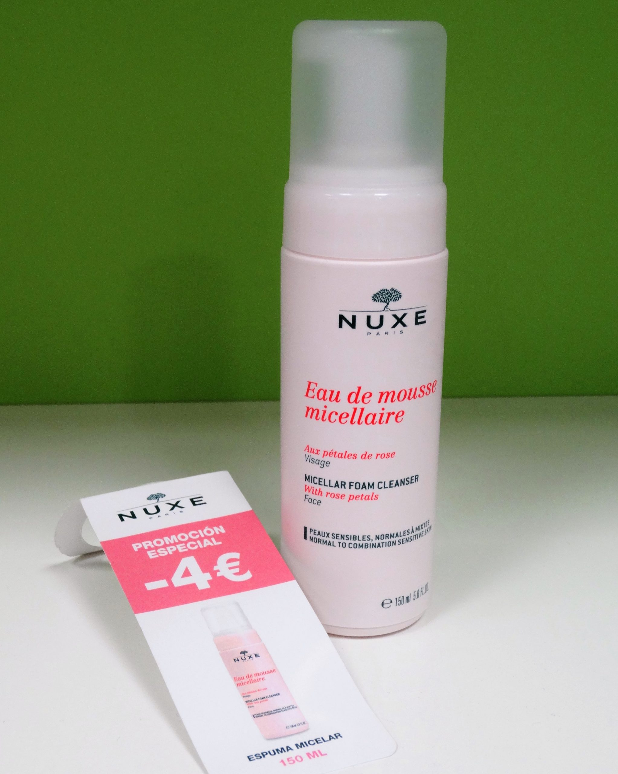 Nuxe Eau de Mousse Micellaire es una suave loción perfecta para cuidar diariamente tu rostro, sin alterar su estructura cutánea